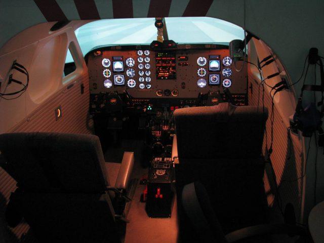 Flugsimulator (FNPT II) EN